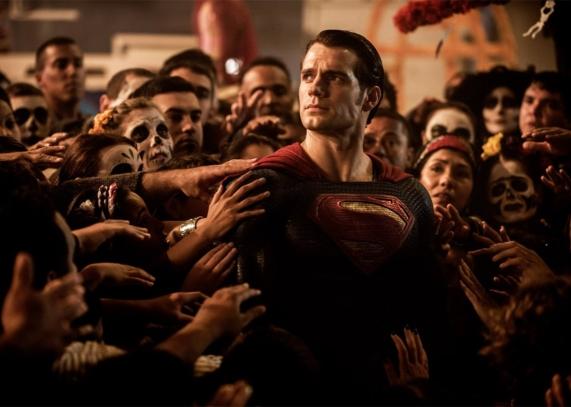 160325_MOV_batman-vs-superman.jpg.CROP.promo-xlarge2